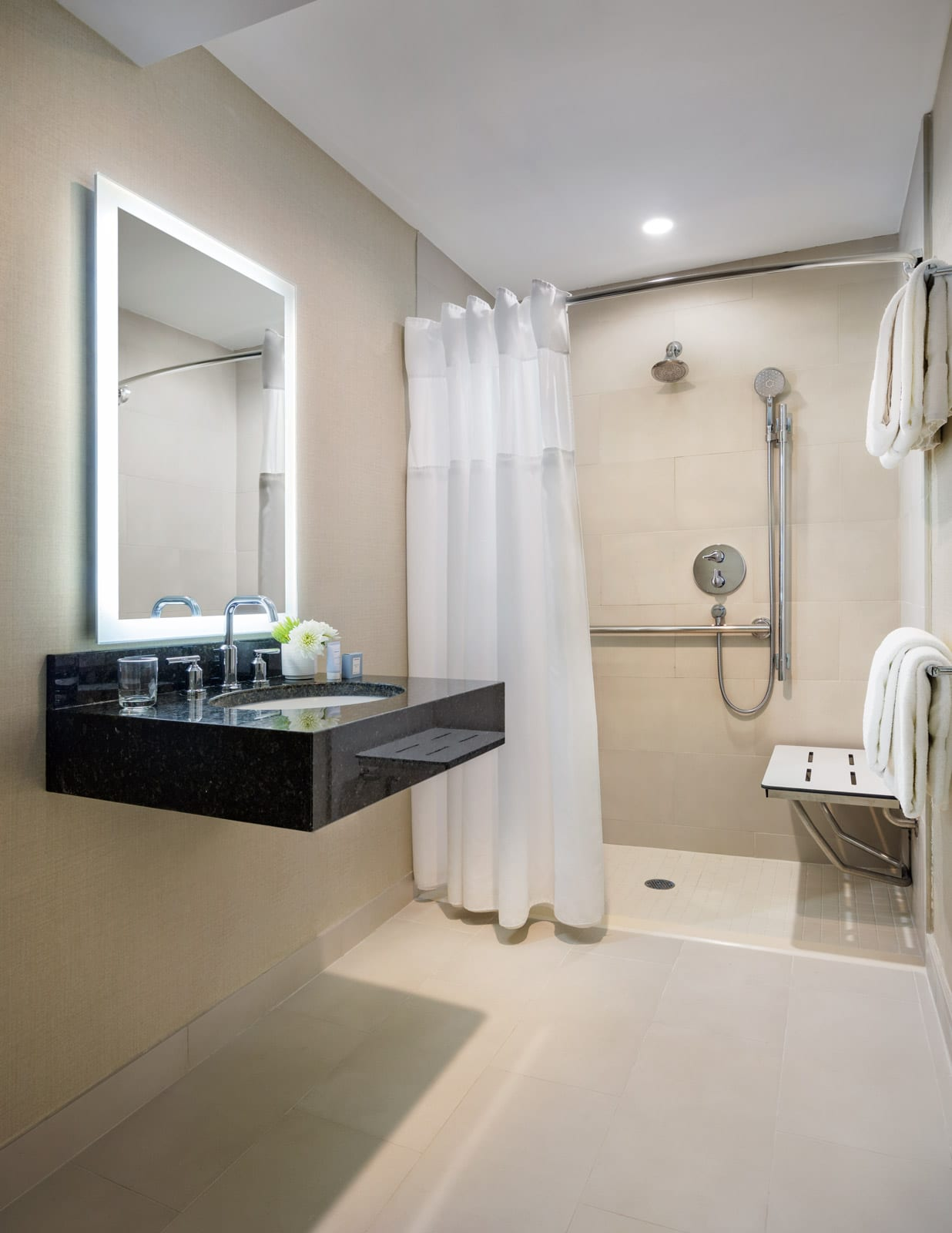 Shelburne Hotel & Suites Accessible Bathroom