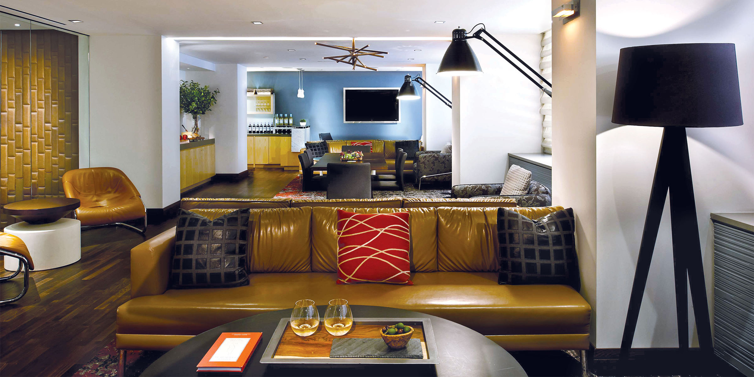The Clubroom At Fifty Hotel & Suites