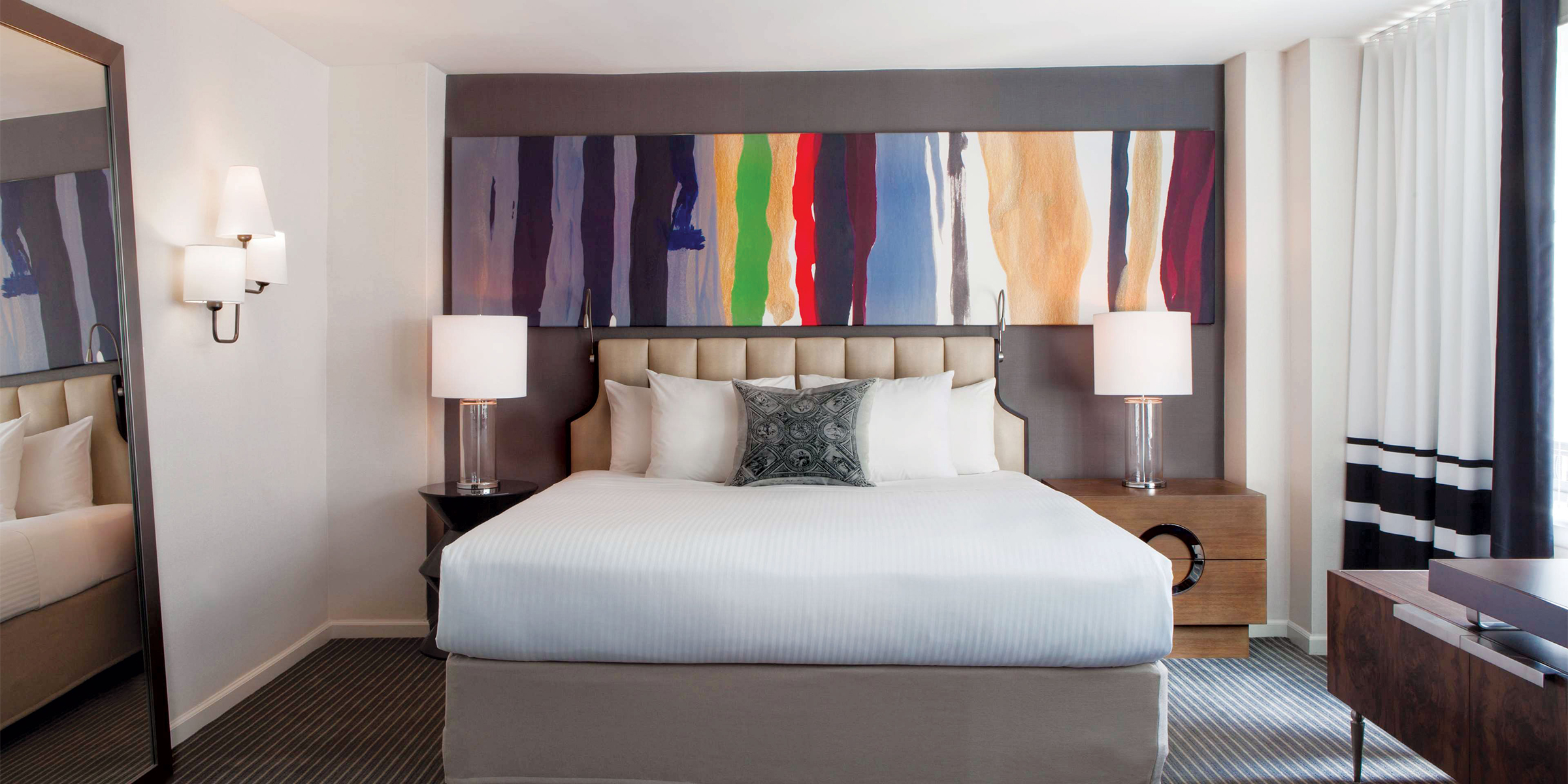 Fifty Hotel & Suites Guestroom